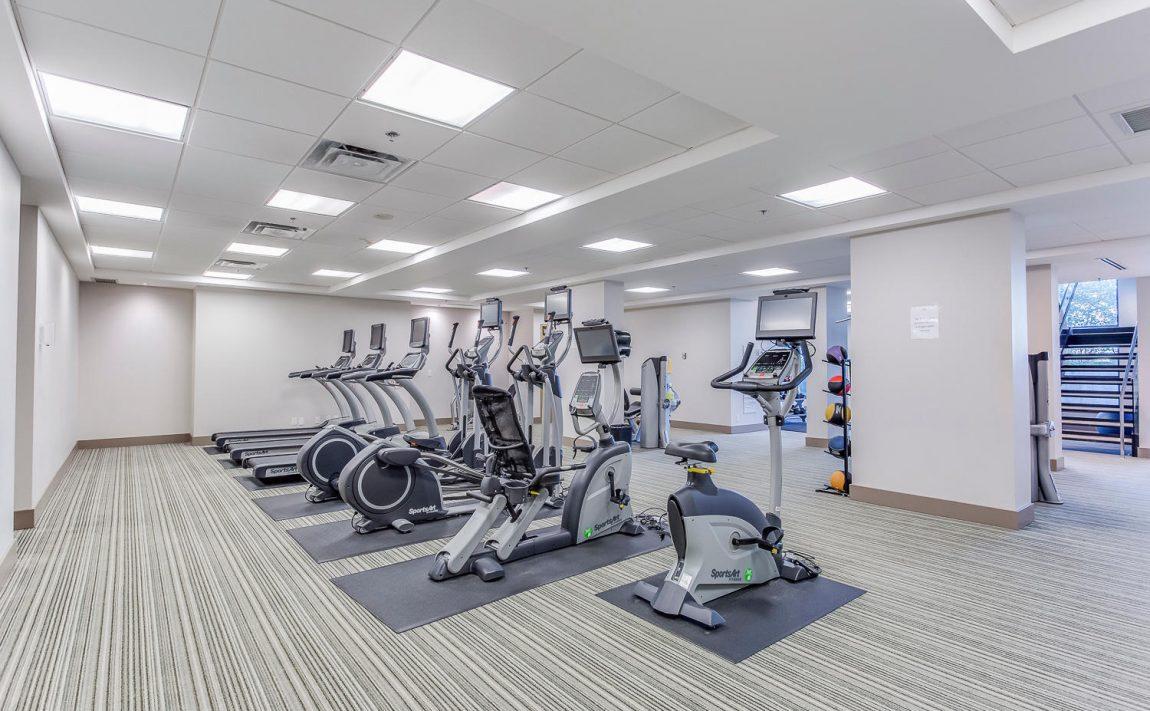 grand-park-condos-3985-grand-park-dr-mississauga-square-one-amenities-gym