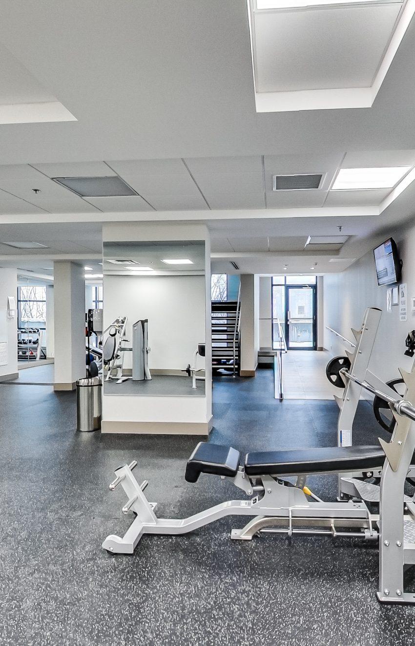 grand-park-condos-3985-grand-park-dr-mississauga-square-one-gym-fitness