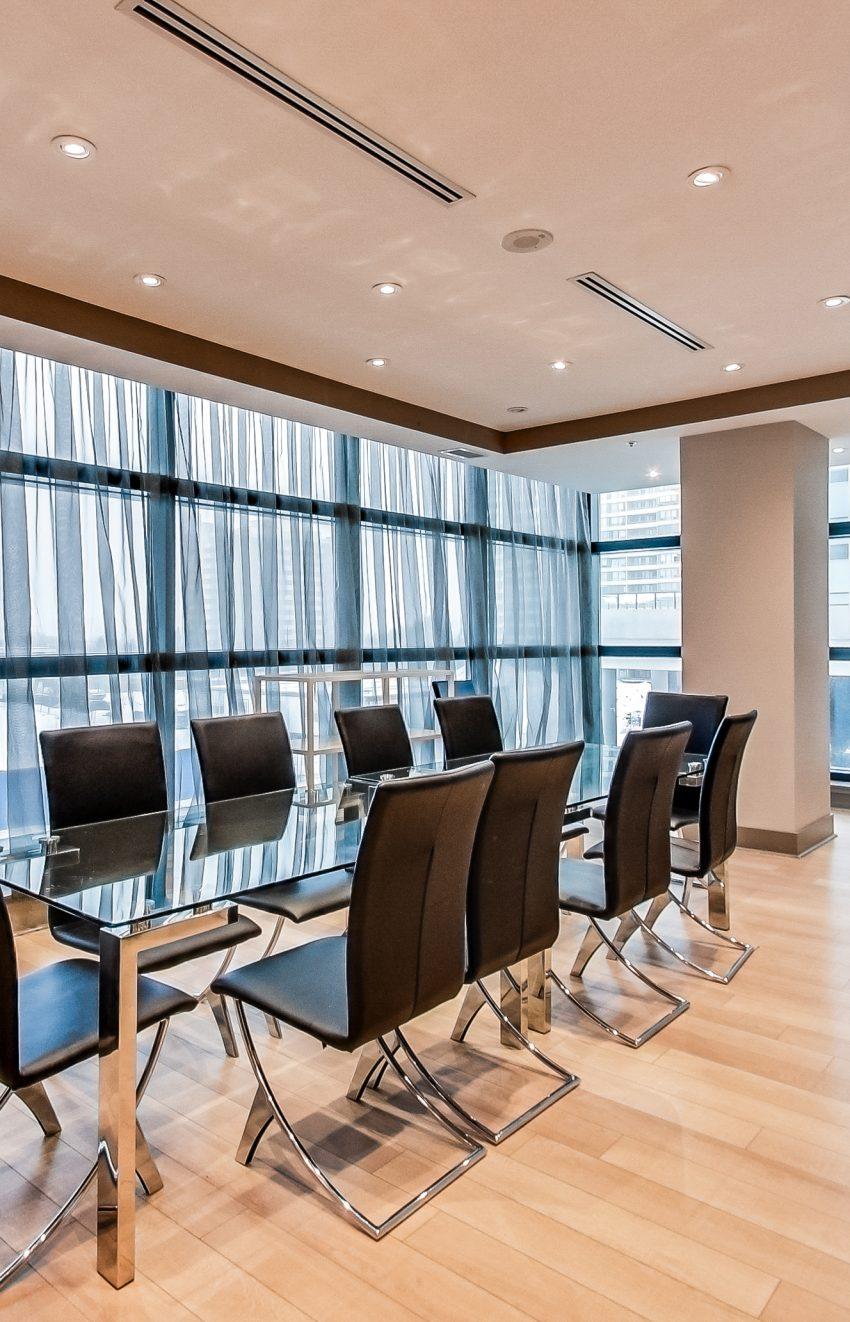 grand-park-condos-3985-grand-park-dr-mississauga-square-one-meeting-room