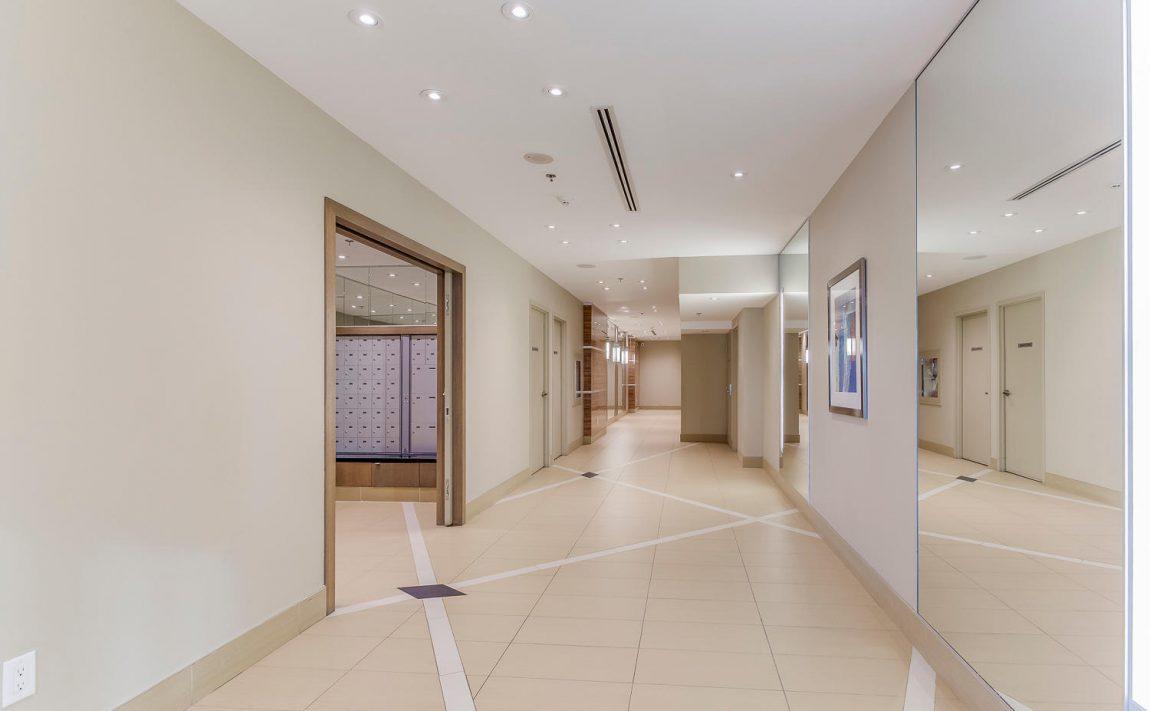 grand-park-condos-3985-grand-park-dr-mississauga-square-one-pinnacle-international-hallway-mailroom