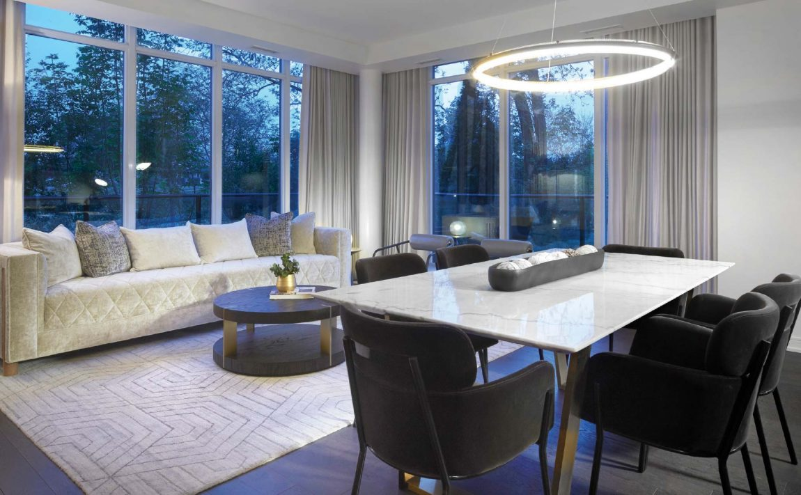 s2-at-stonebrook-1035-southdown-rd-mississauga-clarkson-condos-dining-living