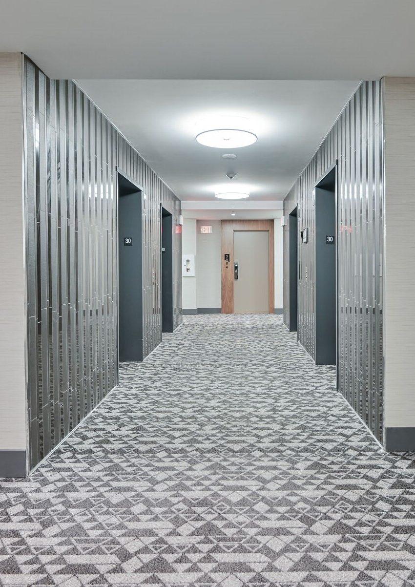 ten-york-condos-10-york-st-toronto-tridel-elevator-hallway
