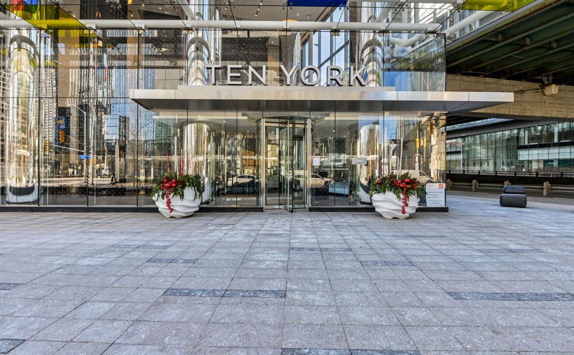ten-york-condos-10-york-st-toronto-tridel-front-door