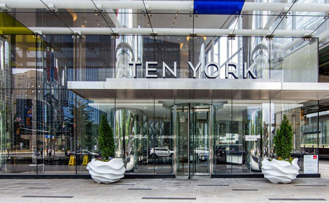 ten-york-condos-10-york-st-toronto-tridel-front-entrance-door