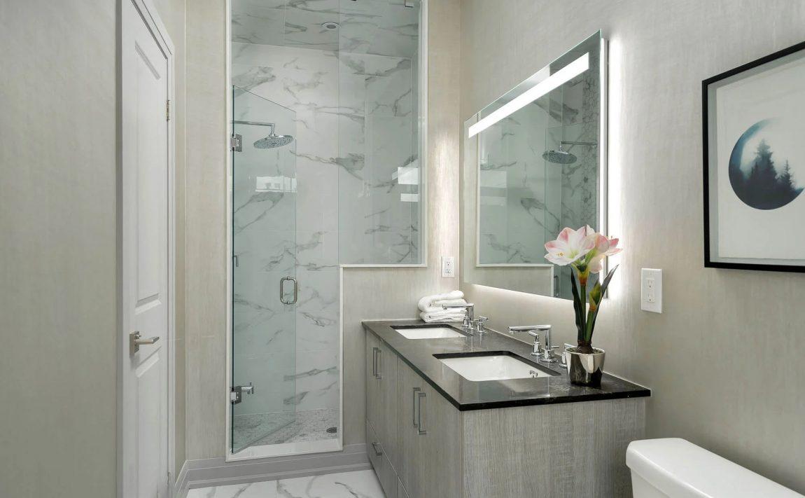 vellore-crescent-townhomes-1640-crestview-ave-mineola-ensuite-washroom