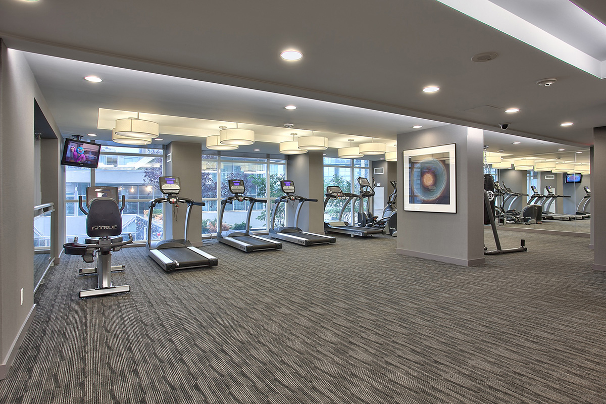 square-one-condos-for-sale-223-webb-dr-onyx-condo-amenities-gym
