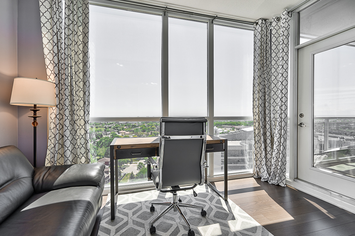 square-one-condos-for-sale-223-webb-dr-onyx-condo-office-2nd-bedroom