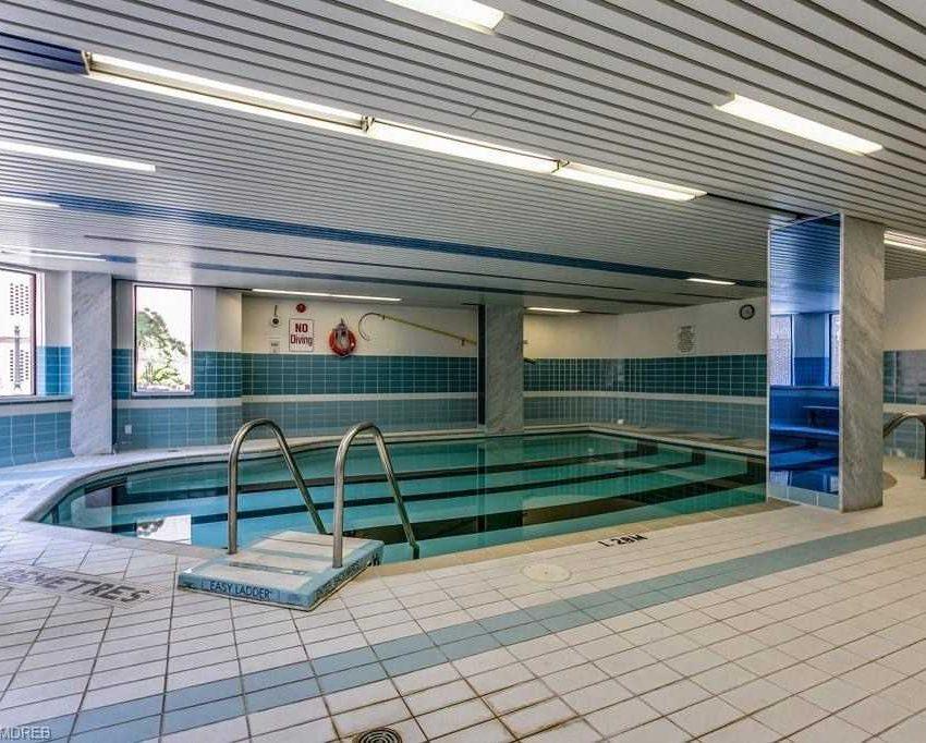 the-granary-condos-100-lakeshore-rd-e-oakville-indoor-pool