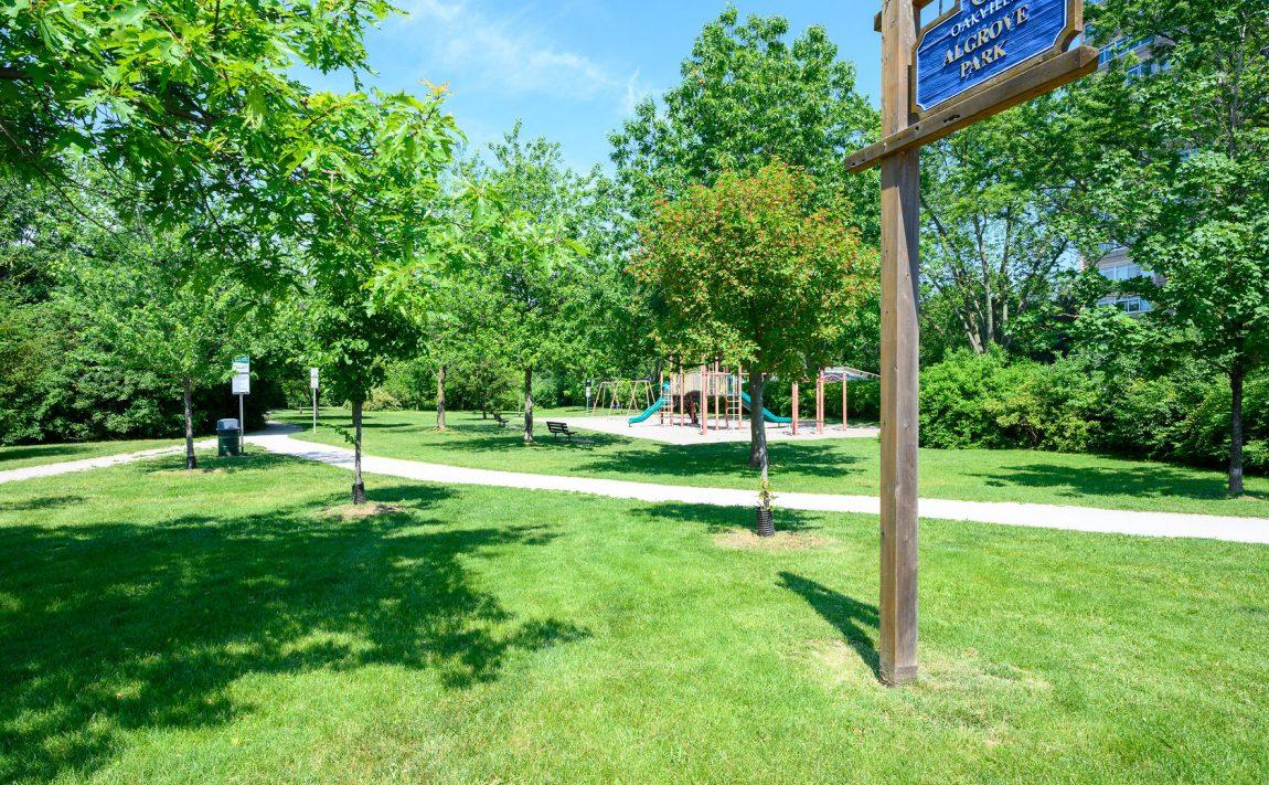 the-oaks-1359-white-oaks-blvd-oakville-condos-algrove-park