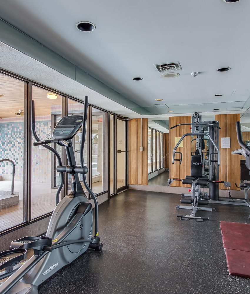 4235-sherwoodtowne-blvd-mississauga-condos-amenities-gym