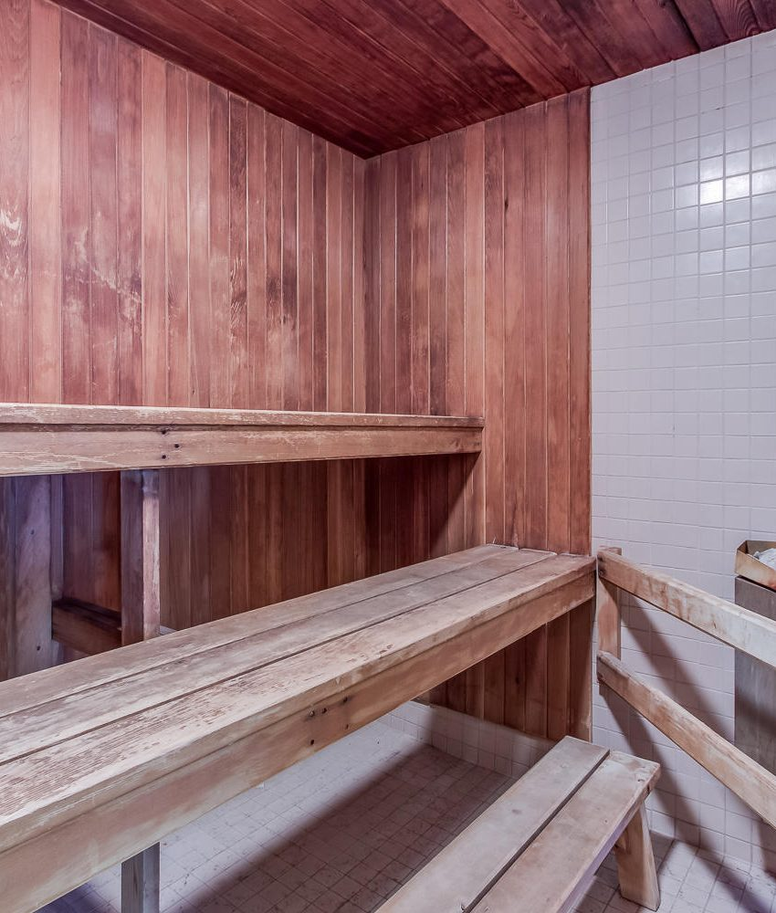 4235-sherwoodtowne-blvd-mississauga-condos-amenities-sauna