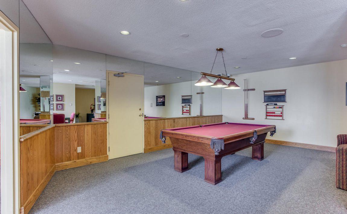 4235-sherwoodtowne-blvd-mississauga-condos-games-room-billiards