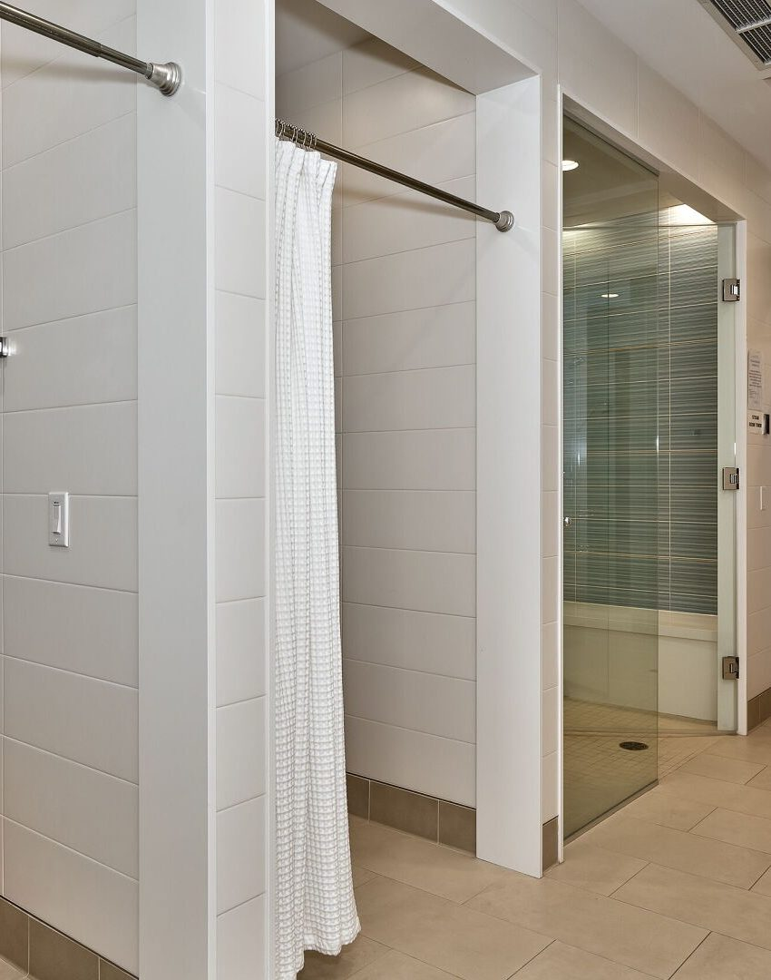 bluwater-condos-3500-lakeshore-rd-w-oakville-amenities-steam-room