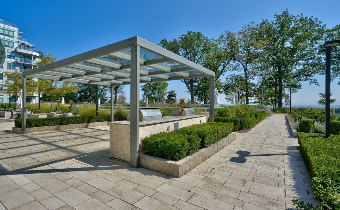 bluwater-condos-3500-lakeshore-rd-w-oakville-bbq