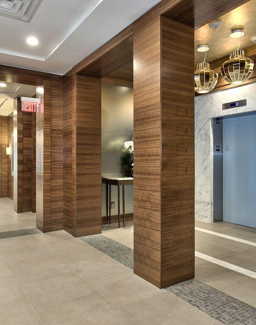bluwater-condos-3500-lakeshore-rd-w-oakville-elevator-lobby