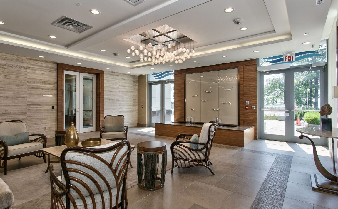 bluwater-condos-3500-lakeshore-rd-w-oakville-lobby