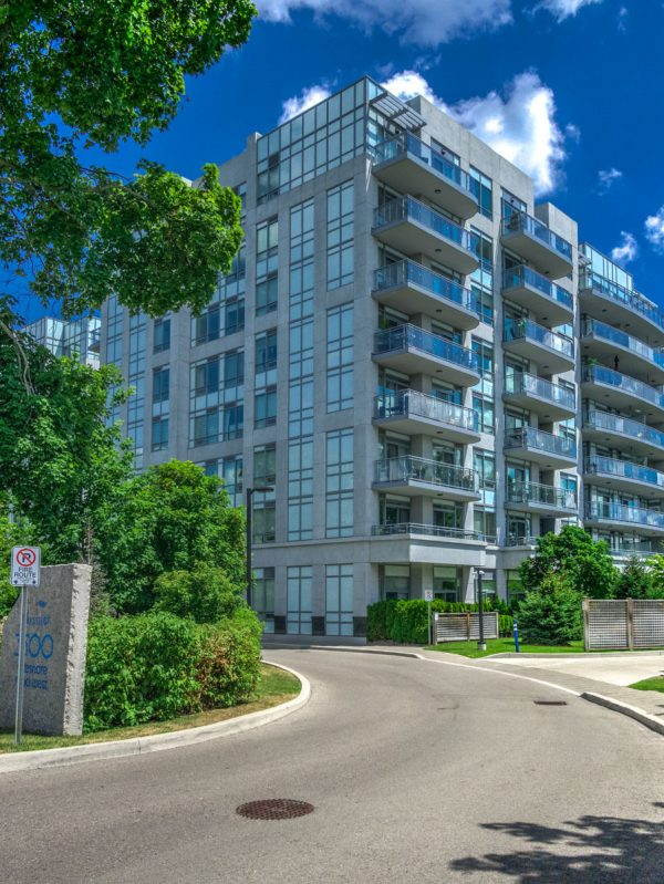 bluwater-condos-3500-lakeshore-rd-w-oakville-luxury-for-sale