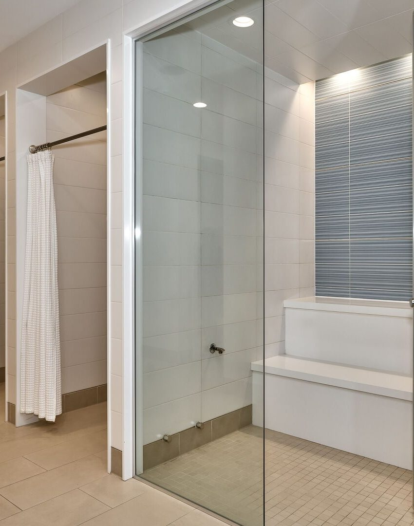 bluwater-condos-3500-lakeshore-rd-w-oakville-steam-room