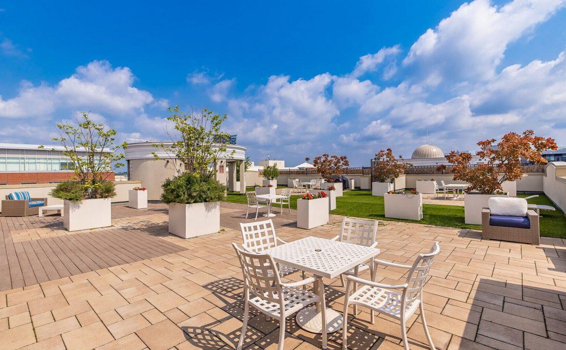 renaissance-oak-park-216-oak-park-blvd-oakville-condos-rooftop-terrace-11