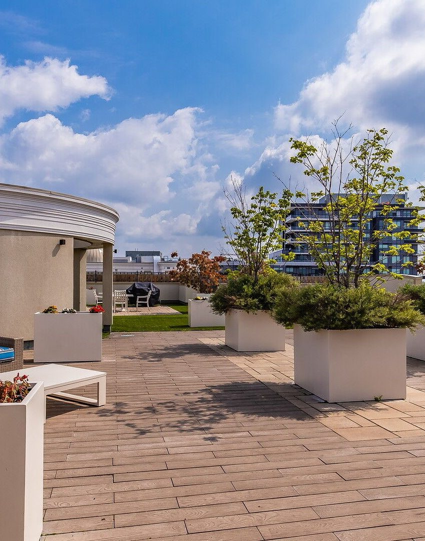 renaissance-oak-park-216-oak-park-blvd-oakville-condos-rooftop-terrace-2