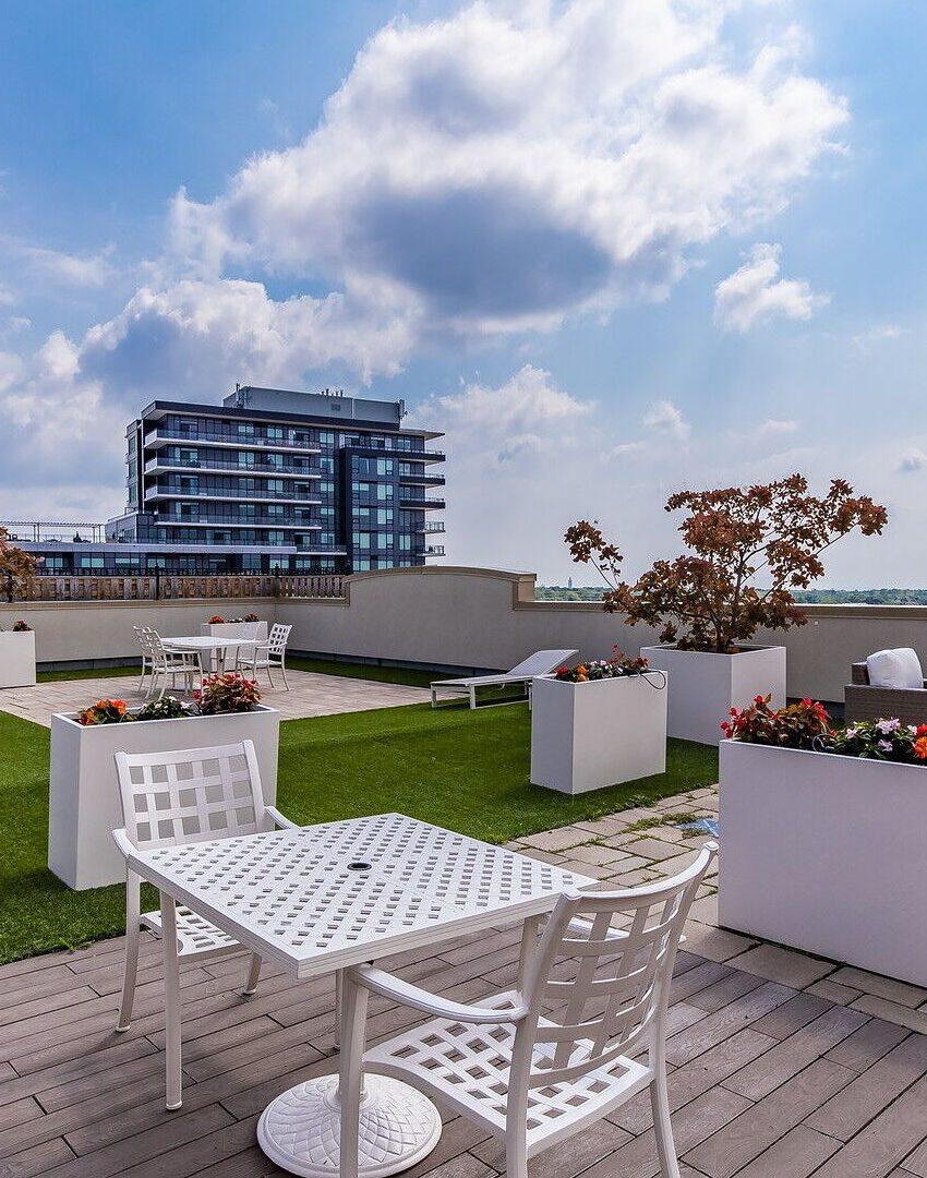 renaissance-oak-park-216-oak-park-blvd-oakville-condos-rooftop-terrace-3