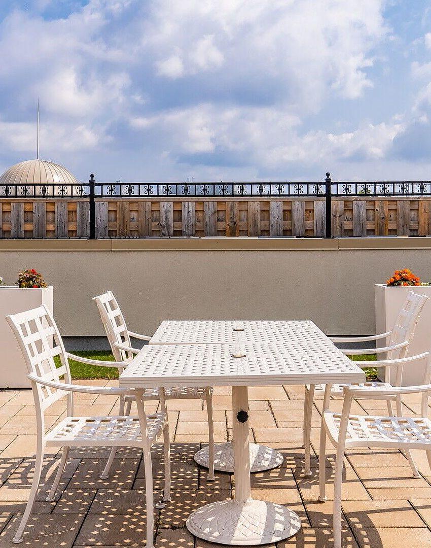 renaissance-oak-park-216-oak-park-blvd-oakville-condos-rooftop-terrace-4