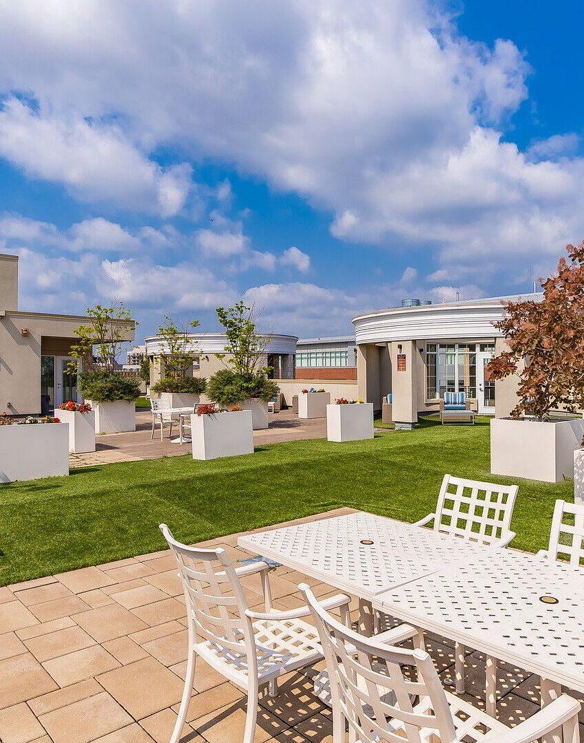 renaissance-oak-park-216-oak-park-blvd-oakville-condos-rooftop-terrace-5