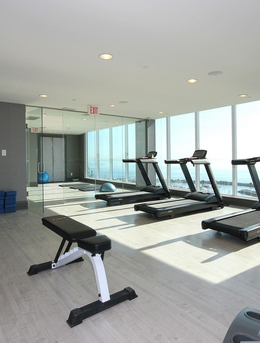 the-shores-condos-11-bronte-rd-oakville-amenities-gym-cardio