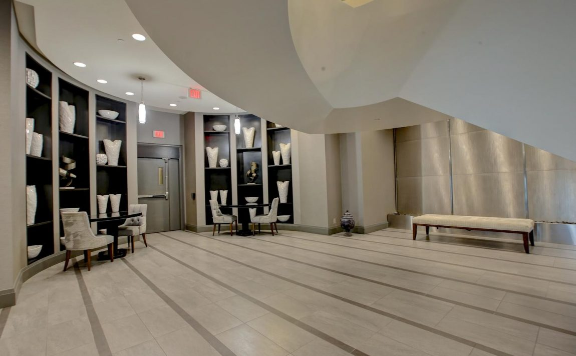the-shores-condos-11-bronte-rd-oakville-front-lobby
