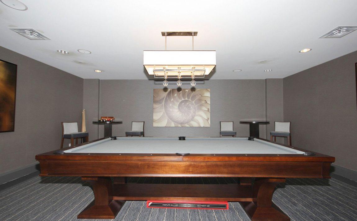 the-shores-condos-11-bronte-rd-oakville-games-room-billiards