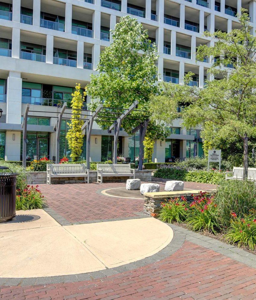 the-shores-condos-11-bronte-rd-oakville-garden