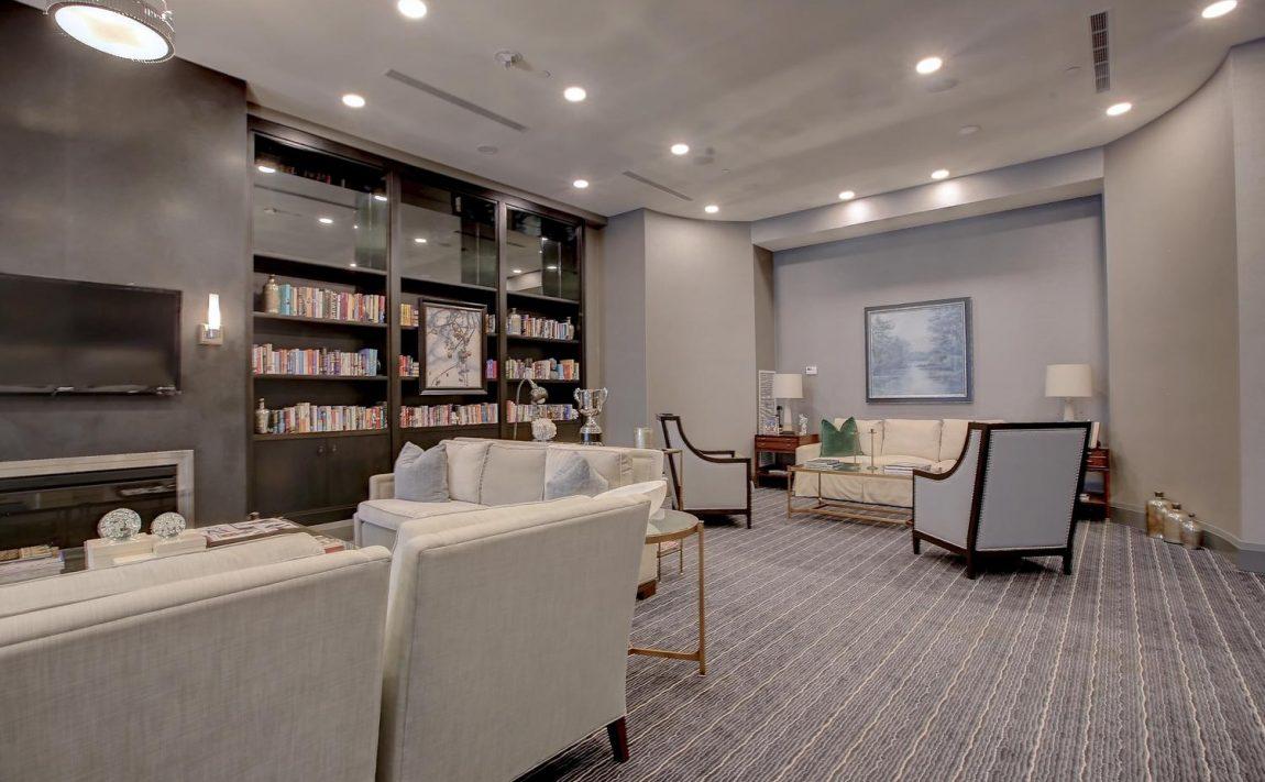 the-shores-condos-11-bronte-rd-oakville-lounge