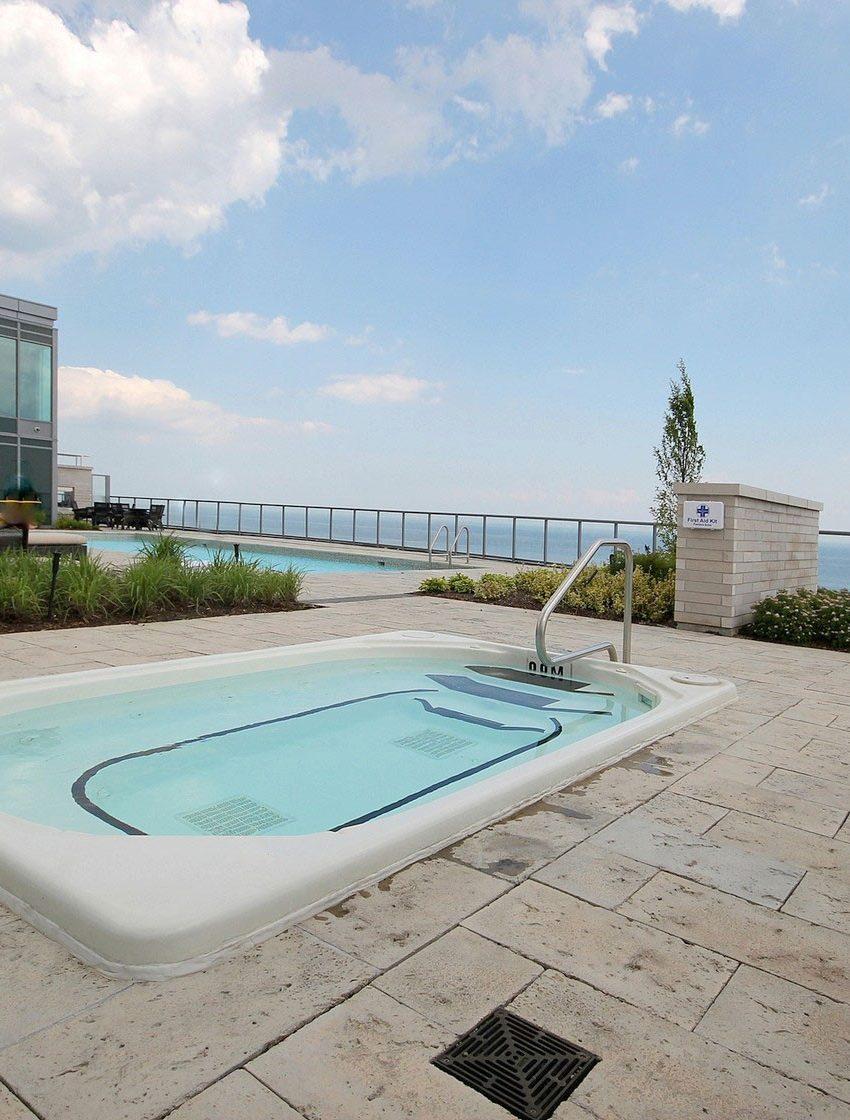 the-shores-condos-11-bronte-rd-oakville-outdoor-hot-tub