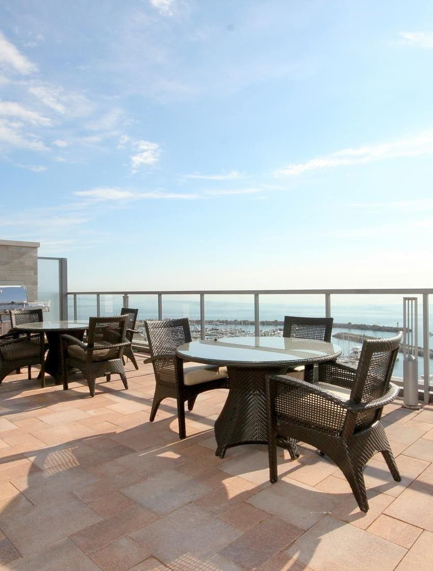 the-shores-condos-11-bronte-rd-oakville-rooftop-terrace-bbq