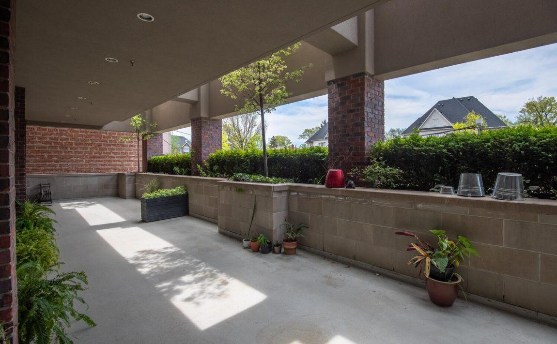 3563-lake-shore-blvd-w-etobicoke-watermark-long-branch-condos-amenities-outdoor-terrace
