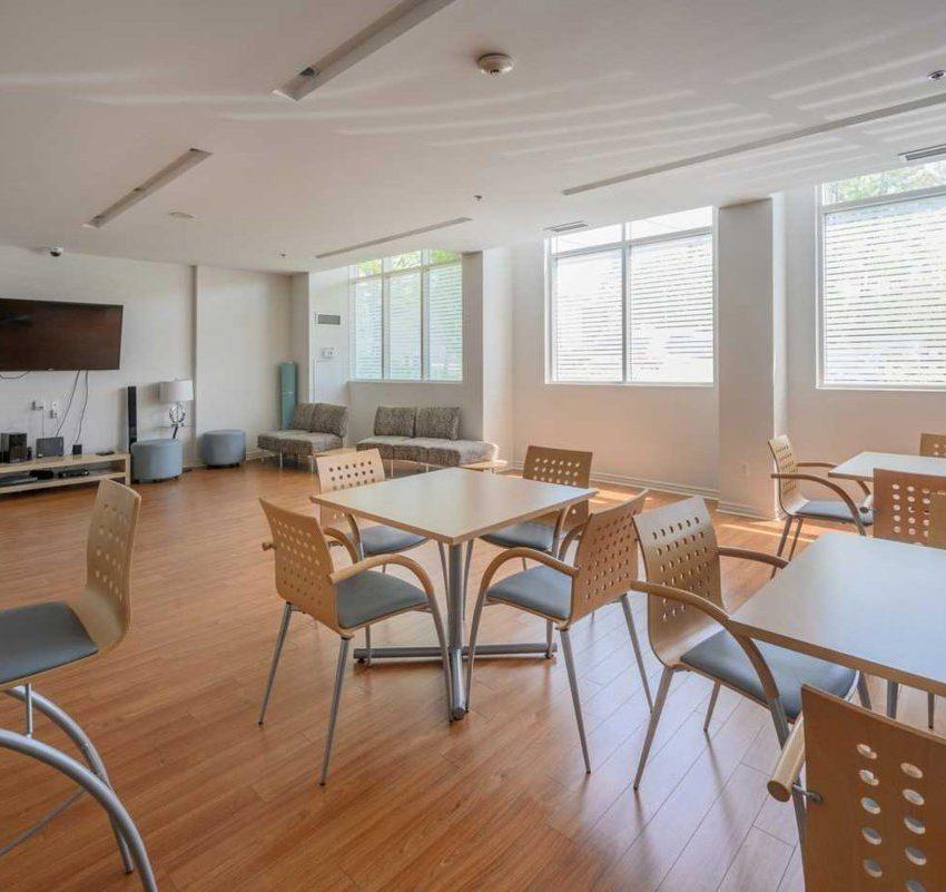 aquaview-3865-lake-shore-blvd-w-etobicoke-condos-long-branch-amenities-party-room
