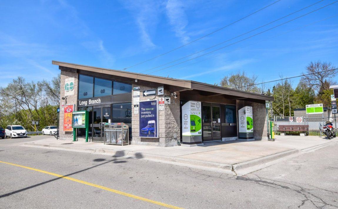 aquaview-3865-lake-shore-blvd-w-etobicoke-condos-long-branch-go-train-station