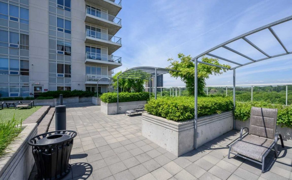 aquaview-3865-lake-shore-blvd-w-etobicoke-condos-long-branch-rooftop-terrace