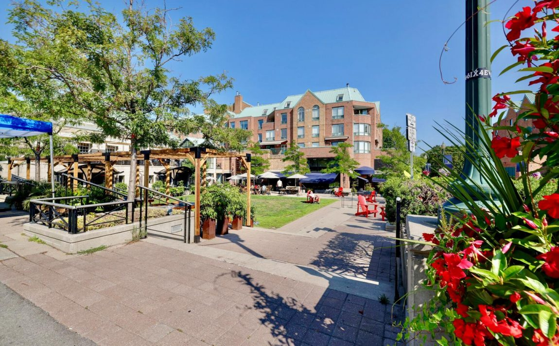 towne-square-condos-221-robinson-st-oakville-village