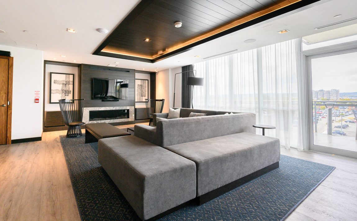 the-berkeley-condos-2025-maria-st-burlington-amenities-lounge