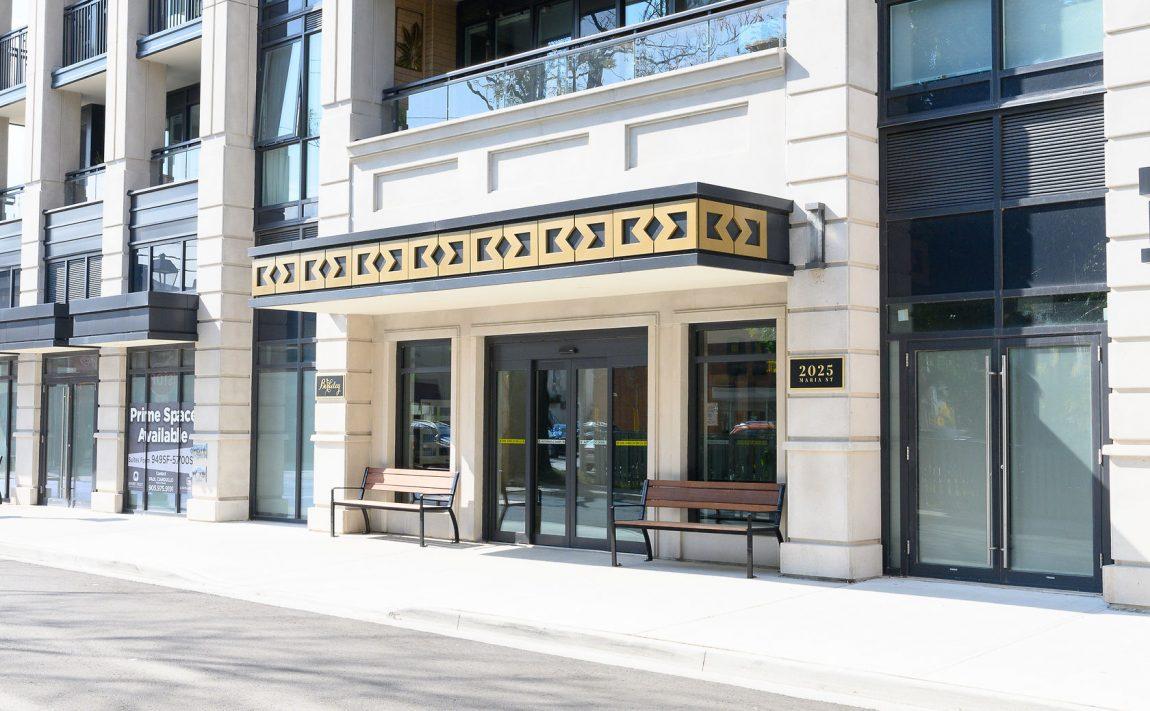 the-berkeley-condos-2025-maria-st-burlington-front-entrance