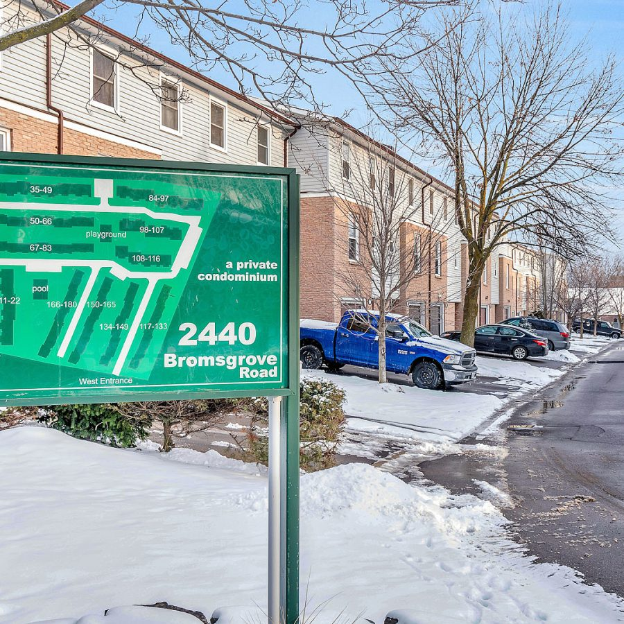 2440-bromsgrove-rd-mississauga-clarkson-townhouses